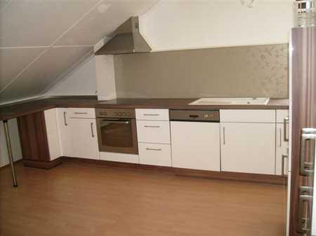 Schöne 4-Zimmer-Dachgeschosswohnung mit Einbauküche in Kirchdorf an der Amper in Kirchdorf an der Amper