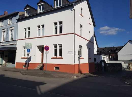 Modernisierte Erdgeschoss-Wohnung in zentraler Innenstadtlage für maximal 3 Personen!