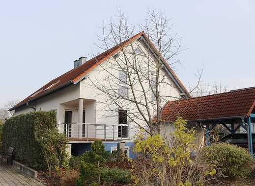 Wörth: DHH mit Terrasse, Garten und Carport