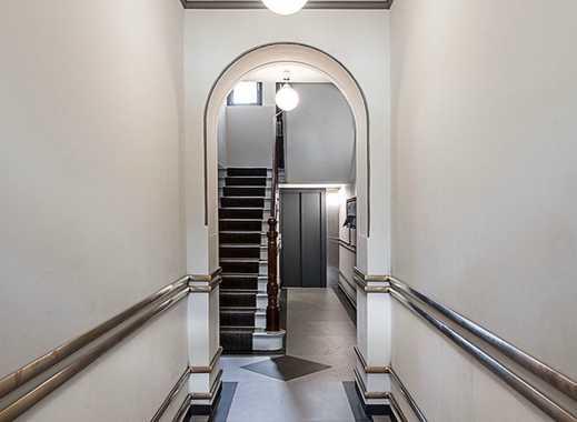 3,5 kernsanierte Zimmer mit Balkon & EBK im Altbau