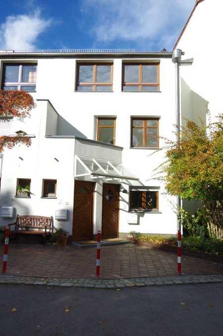 Gepflegte 3-Zimmer-Wohnung mit 2 Balkonen im Sonnenhof in Antonsviertel (Augsburg)