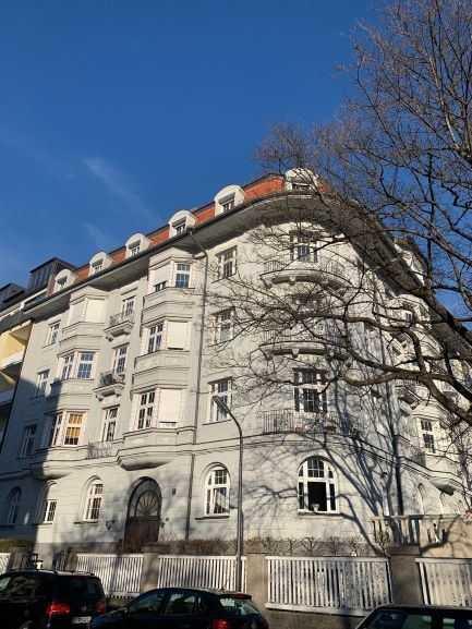 Frisch renovierte Altbauwohnung befristet bis Ende 2026 zu vermieten in Neuhausen (München)