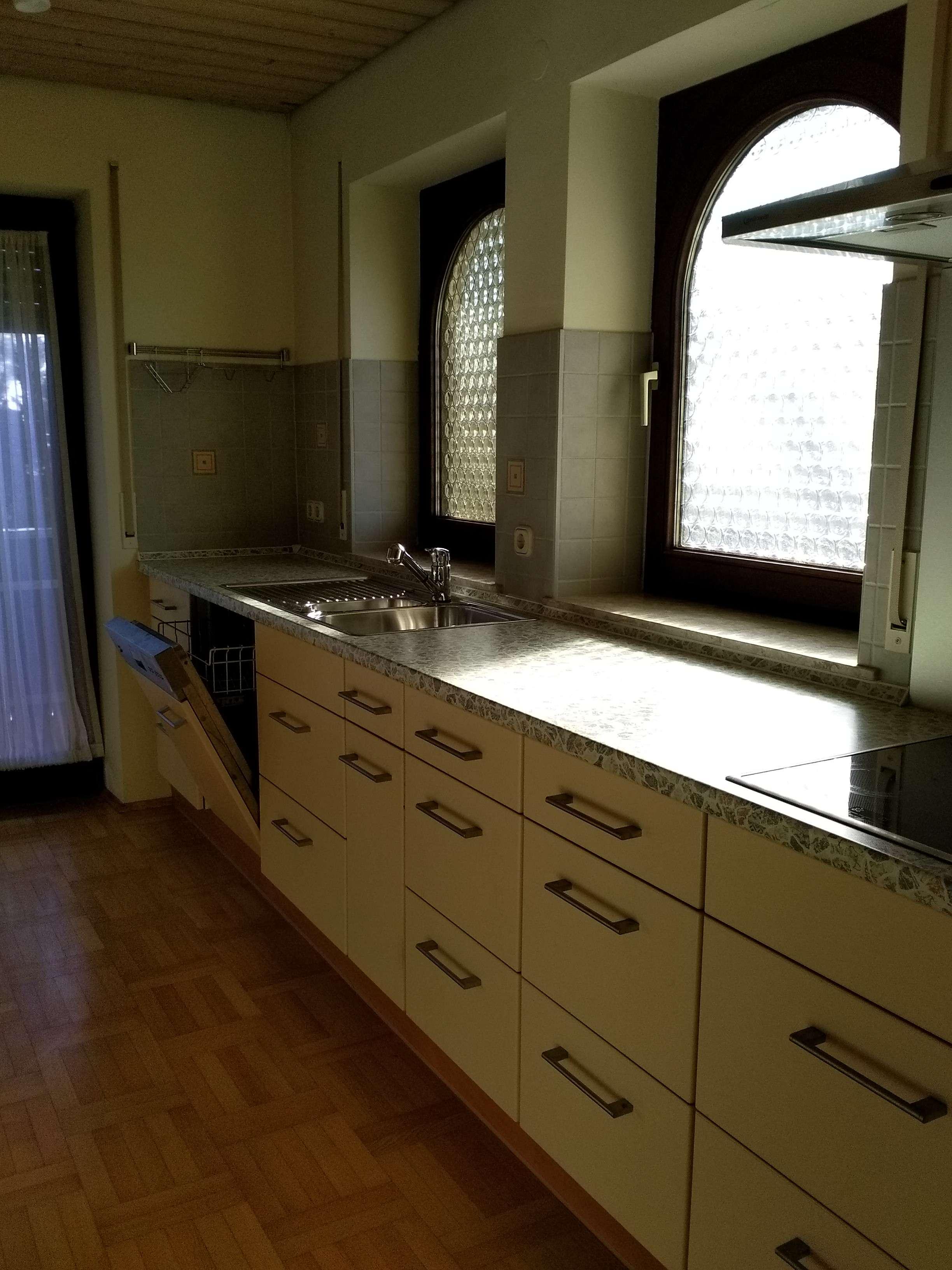 Schöne, geräumige 4 Zimmer Wohnung in Memmingen -Steinheim mit Balkon und  Einbauküche in