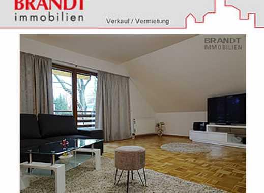 Wellingsbüttel….90 m² Dachgeschoß-Wohnung mit Balkon und Stellplatz in einem Zweifamilienhaus