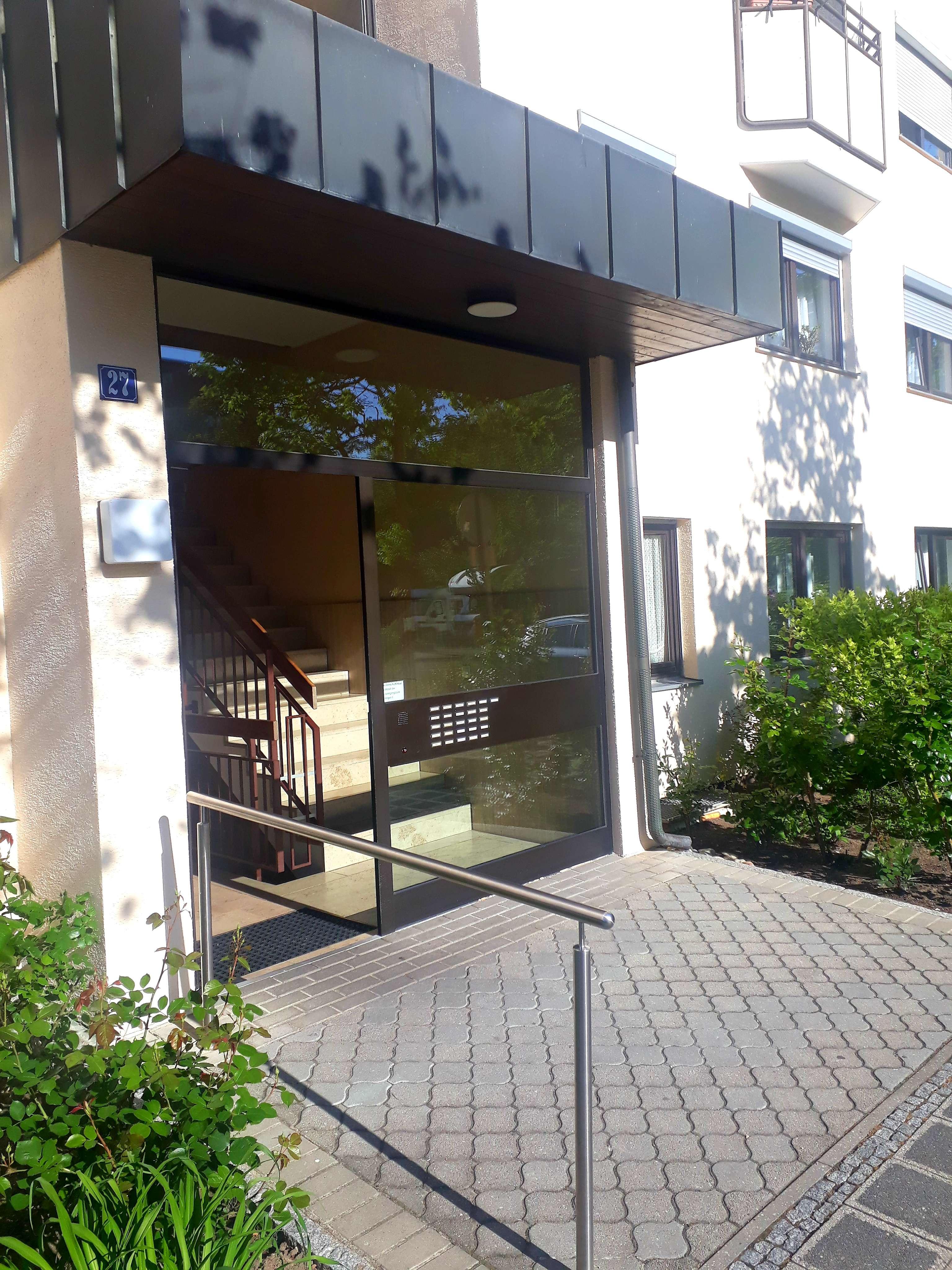 Schöne 3 Zimmerwohnung mit zwei balkonen  und Garage in verkehrsberuhigten Lage