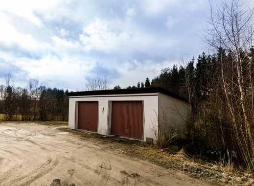 Baugrund in Hanglage mit Doppelgarage - Baumbestand vorhanden