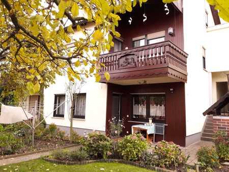 Schöne ruhige 2,5-Zimmer-Terrassen-Wohnung,  gehobene Ausstattung in Würzburg Versbach zu vermieten in Versbach (Würzburg)