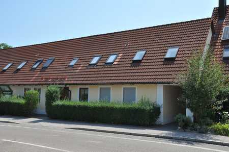 Gepflegte 2-Zimmer-DG-Wohnung mit EBK in Augsburg in Pfersee (Augsburg)