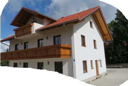 Schöne geräumige Dachgeschosswohnung in Egmating mit Sichtdachstuhl im 2.OG in Egmating