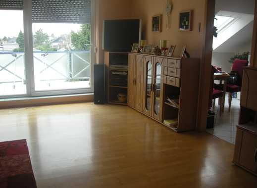 Gepflegte 2-Zimmer-DG-Wohnung mit Balkon und EBK in Rhein-Erft-Kreis