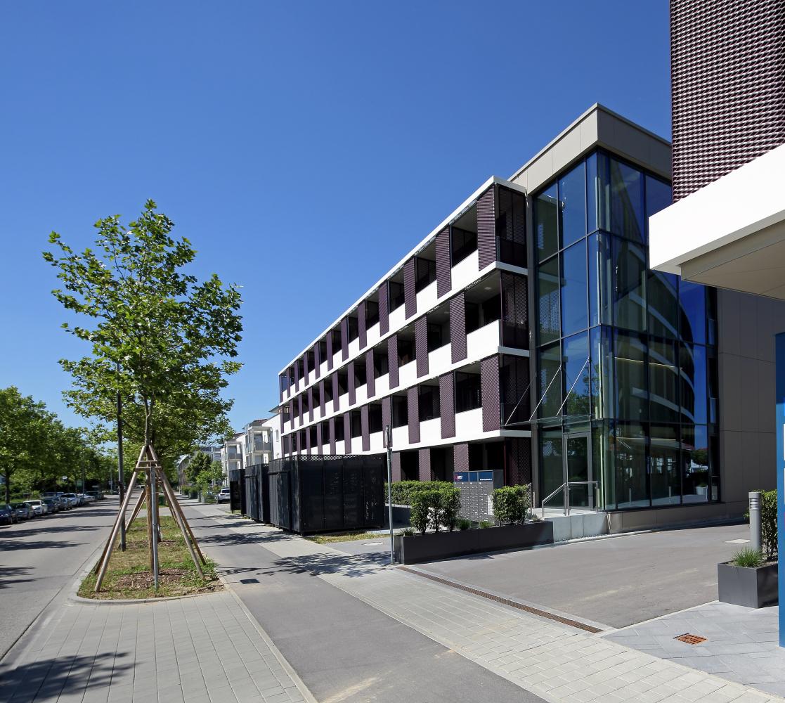 Helles, modernes Appartement direkt am Westpark/AUDI-Kreisel mit EBK in Friedrichshofen (Ingolstadt)