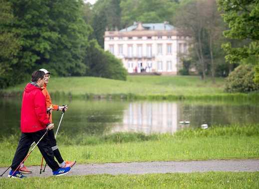 Bestlage,mit Blick auf den Schönbusch Park,ruhige 2,5 Zimmer ,sehr geschmackvoll,neu renoviert !