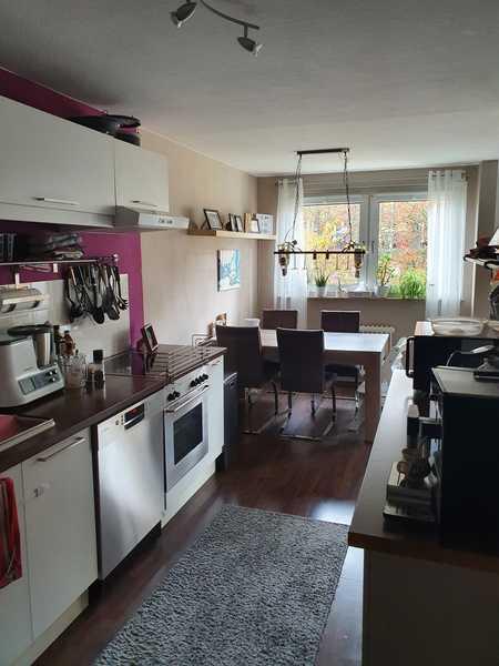 Sehr schöne, helle familienfreundliche Wohnung, optimal geschnitten mit 3,5 Zimmern und Süd Loggia in Zellerau (Würzburg)
