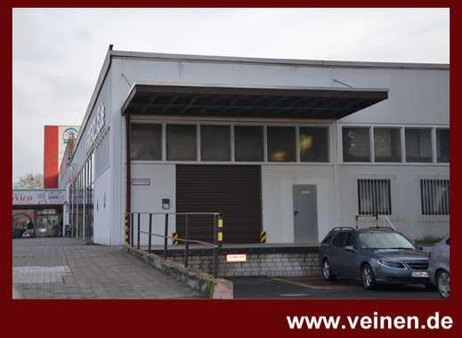 Halle mit Tageslicht /// überdachte Rampe /// Parkplätze