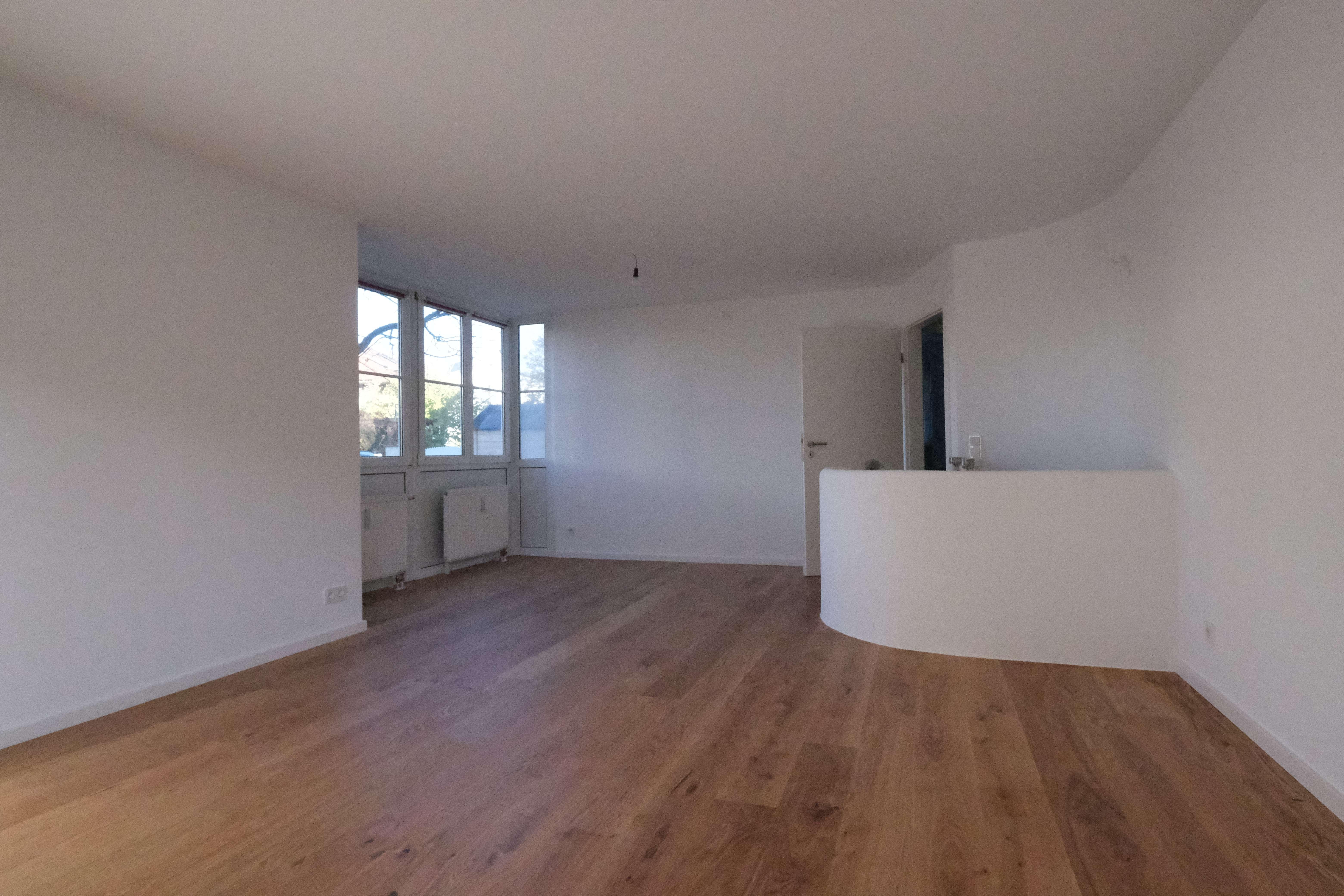 Großhadern 2 Zimmer Gartenwohnung 86 m2 + Souterrain 26 m2 in Hadern (München)