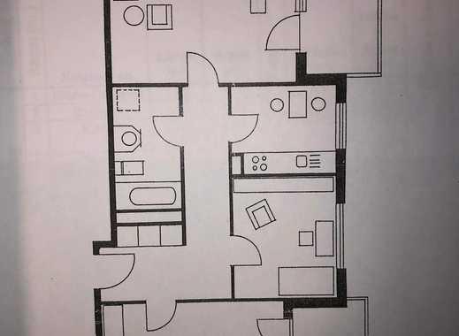 Gepflegte Wohnung mit drei Zimmern und zwei Balkonen in Hannover