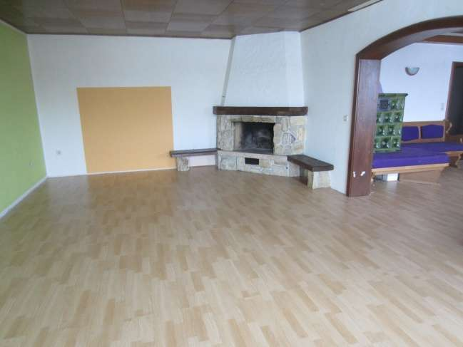 Große 5 Zimmerwohnung bei Neufahrn Niederbayern