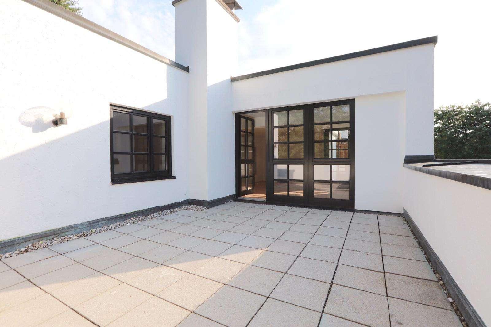 Terrassenwohnung mit offenem Kamin in Bogenhausen! Neu saniert in Bogenhausen (München)