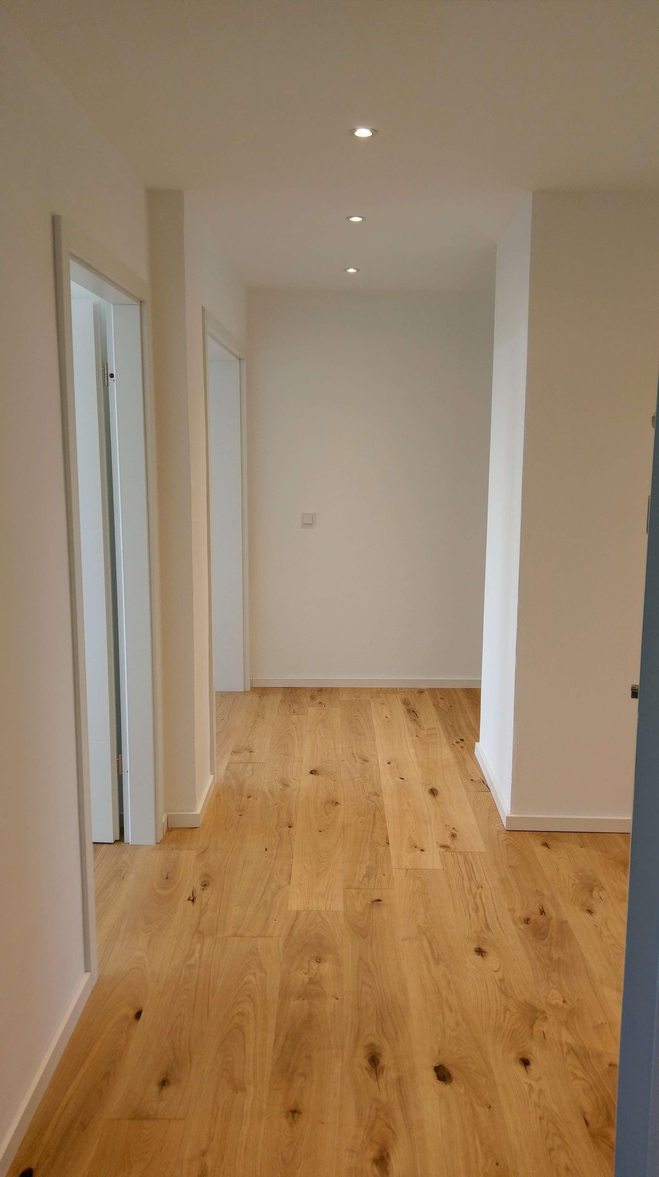 Erstbezug nach Sanierung: schöne 3-Zimmer-DG-Wohnung mit EBK und 2 Balkone