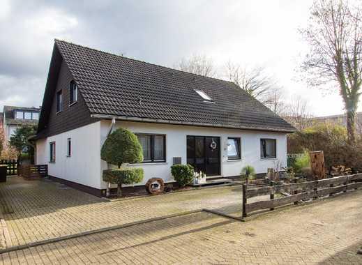 Zweifamilienhaus mit schönem Grundstück in Haan-Gruiten!