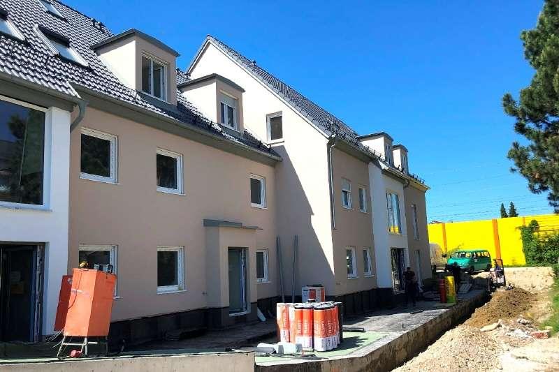 ERSTBEZUG! Großzügige 3.- Zimmer Maisonette Wohnung mit ausgebautem Dachspitz