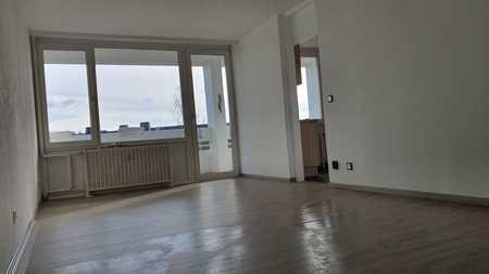 Vollständig renovierte 3-Zimmer-Wohnung mit herrlichem Ausblick in Hof-Innenstadt