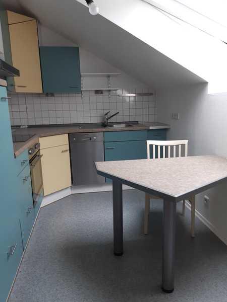 Renovierte 3,5-Raum Nichtraucher-DG-Wohnung mit Einbauküche in Bad Kissingen in Bad Kissingen