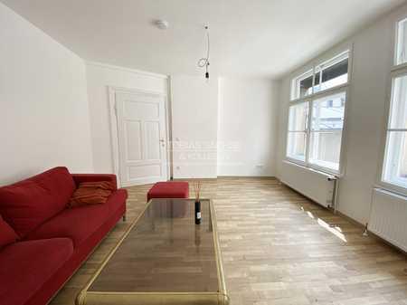 Aufwändig sanierte 3-Zimmer-Altbauwohnung im Herzen von Passau (Innenstadt) in Altstadt (Passau)