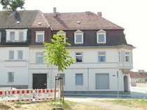 Traditionelles Wohn- und Geschäftshaus vor