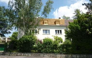 Charmante Dachgeschosswohnung in ausgezeichneter Lage!