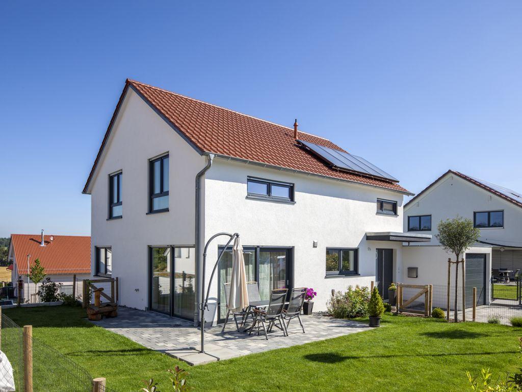 Haus Thoms - Modernes Satteldachhaus mit viel Licht
