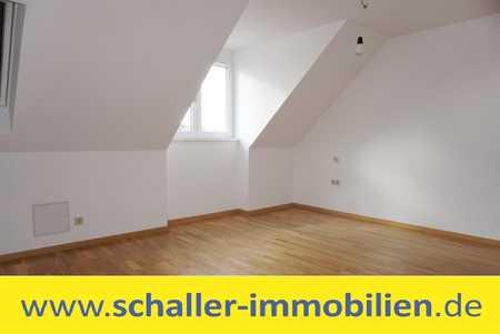 Barrierefreie moderne 2 Zimmer DG Wohnung mit Tageslichtbad / Wohnung mieten in Ludwigsfeld