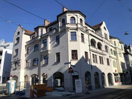 Schöne, geräumige, sanierte zwei Zimmer Altbauwohnung in München, Pasing in Pasing (München)