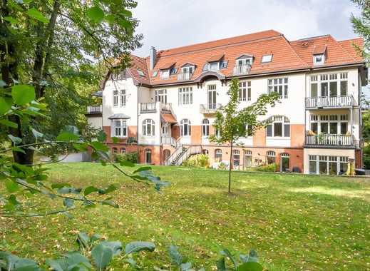 Einzelstück: Charmante 2 Zimmer-Dachgeschosswohnung in herrschaftlichem Altbau