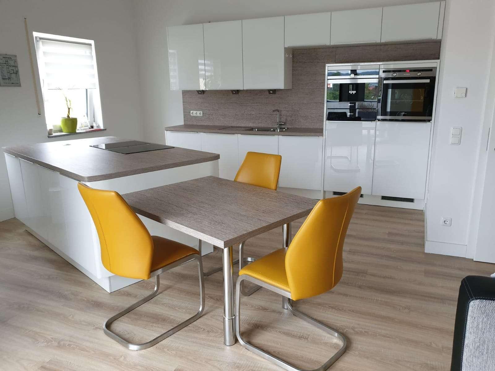 Neuwertige 4-Zimmer-Penthouse-Wohnung mit Dachterrasse   in Weiden in der Oberpfalz in Lerchenfeld (Weiden in der Oberpfalz)
