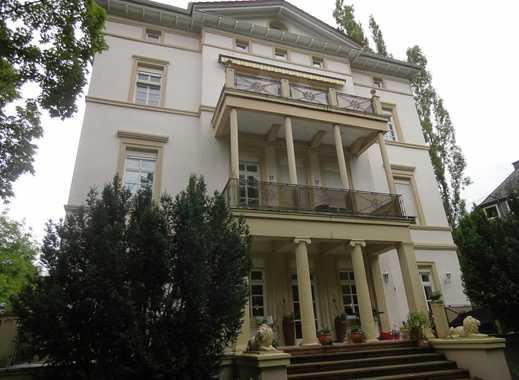 Exklusive 135 m² in sanierter Villa mit Dachterrasse, off. Kamin, 1.Reihe Priegerpromenade