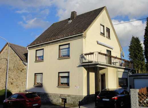 Vermietetes Ein- bis Zweifamilienhaus in zentraler Lage!