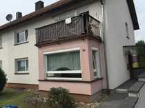 Schöne und modernisierte 9-Zimmer-Doppelhaushälfte zum