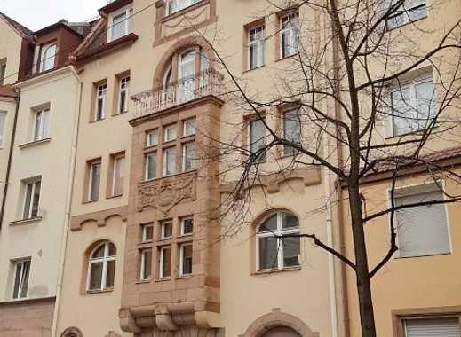 5 Zi .Jugendst.  ca. 140 m² Balk. EG,  auch Wohnen u. Arbeiten, Nähe Luitpoldhain u. Peterskirche