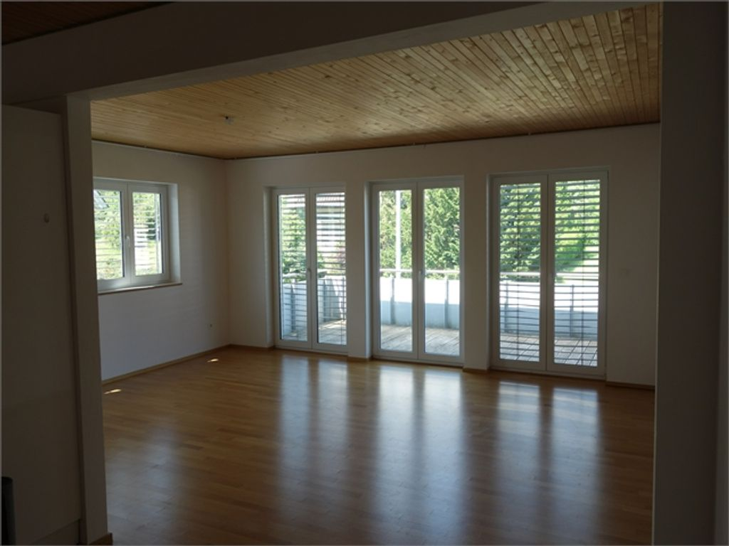Sonnige moderne 4 1/2 Zimmer-Wohnung