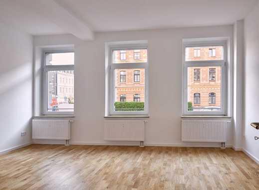 Bezugs- und provisionsfrei: Frisch renovierte, sonnige 3-Zimmer-Familienwohnung in charmantem Altbau