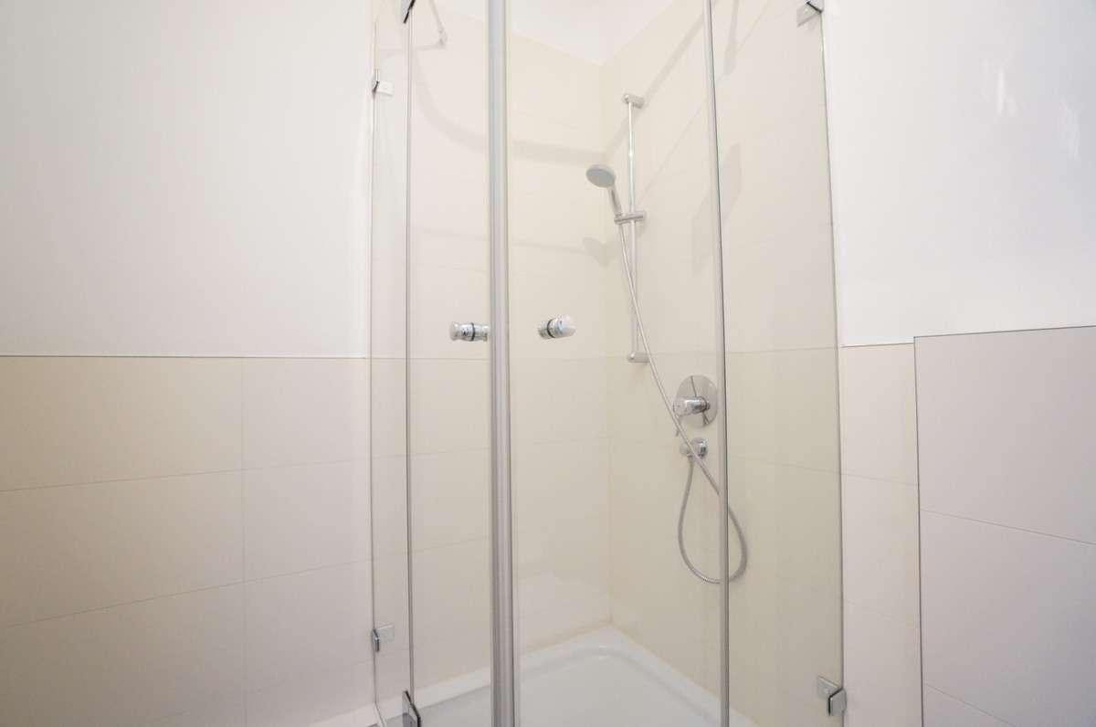Ganzglas Duschabtrennung