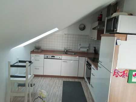 Gepflegte DG-Wohnung mit drei Zimmern und Balkon in Neumarkt in Neumarkt in der Oberpfalz (Neumarkt in der Oberpfalz)
