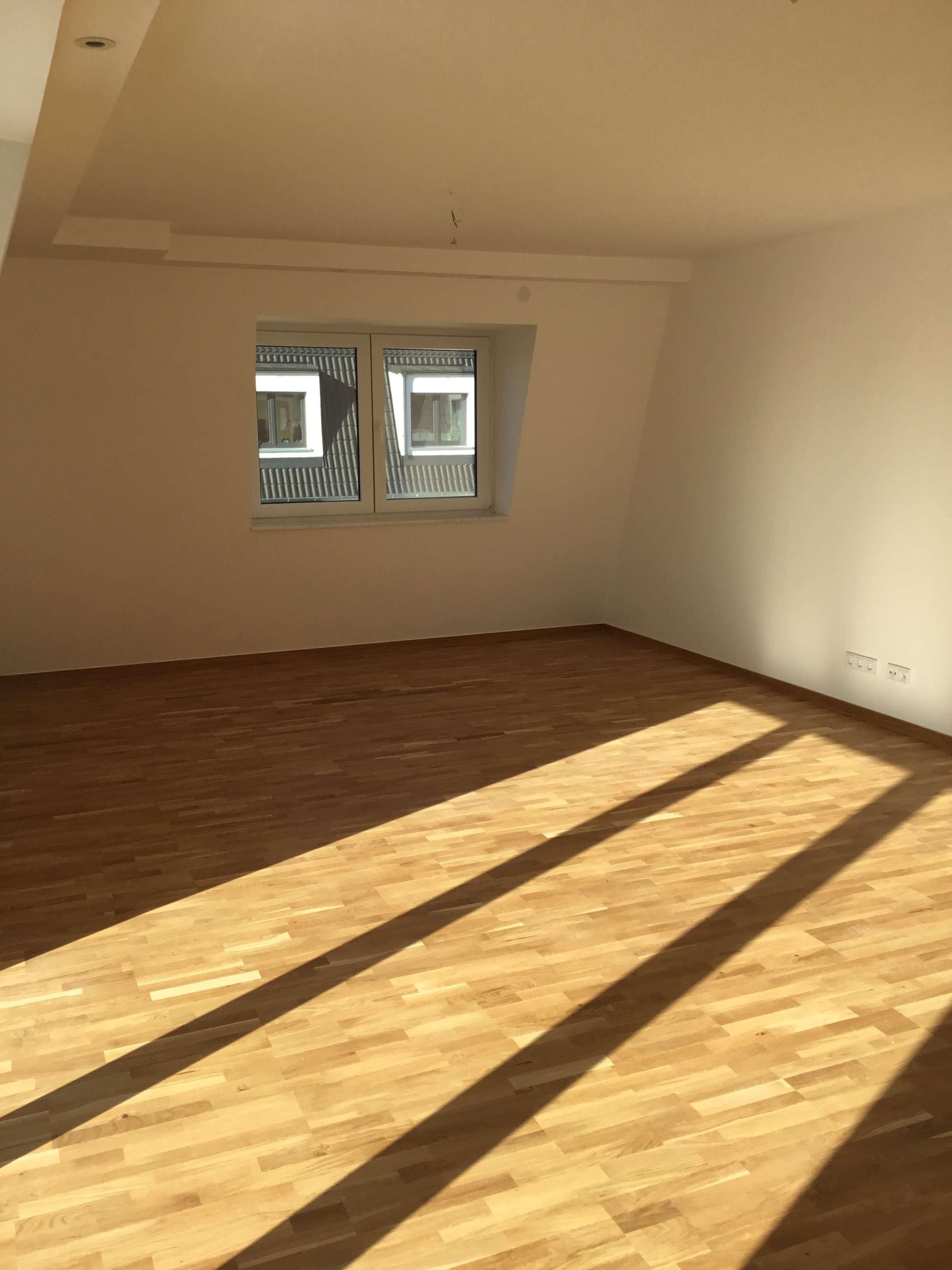 Helle und große 3-Zimmer Wohnung mit Dachterrasse ab SOFORT frei in Lauingen (Donau)