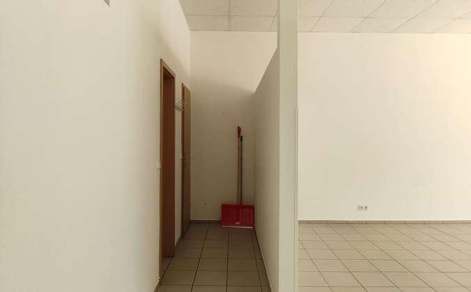 Blick Richtung Kunden WC