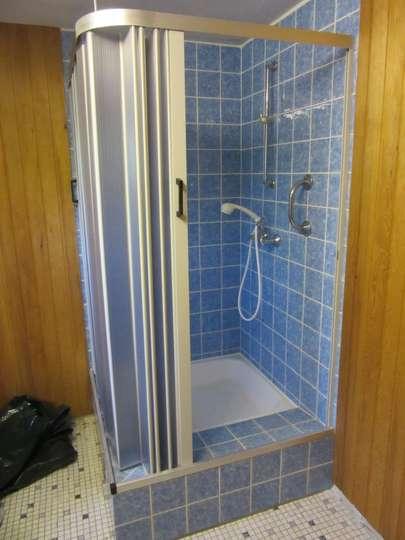 Dusche Saunabereich KG