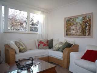 Exklusive, sanierte 4-Zimmer-Wohnung mit Terrasse und Einbauküche in Feldafing in Feldafing (Starnberg)