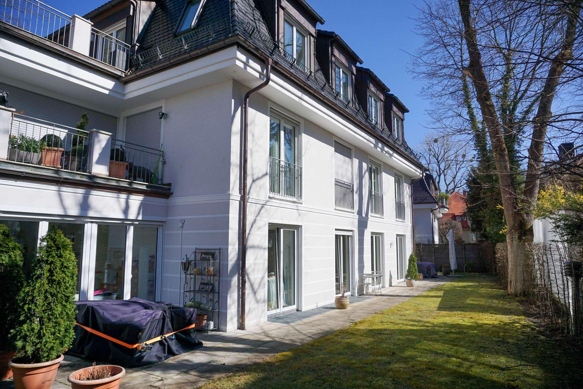 Bestes Harlaching, über der Isar- luxuriöse Gartenwohnung mit großem Gartenanteil- 208 qm- ruhig in