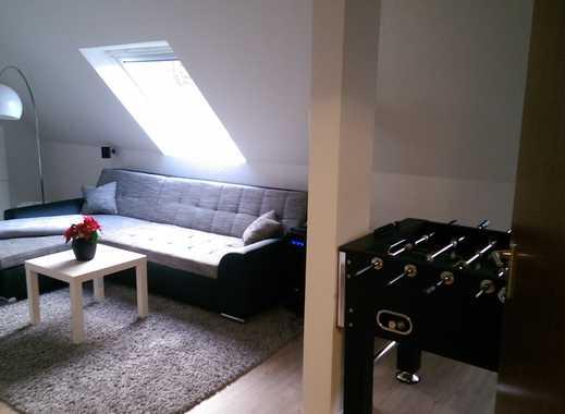 Attraktive, möblierte 2-Zimmer-Dachgeschosswohnung mit Balkon und Einbauküche in Dortmund