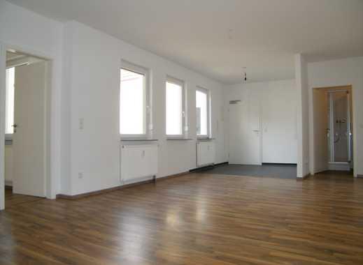Sanierung 2018! Gemütliche und frisch sanierte Wohnung in zentraler Stadtteillage.